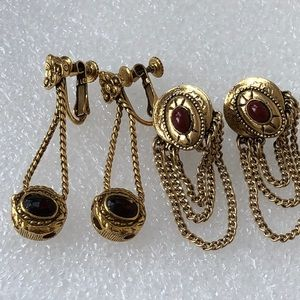 Jewelry - 2 pairs of clip screw back vintage earrings marked